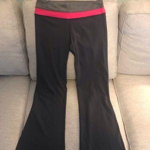 Lululemon Groove pants Size 12